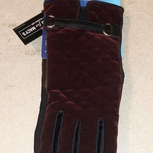 ISOTONER Signature Quilted Gloves SmartTouch NEW